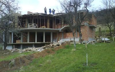 Груб строеж (31)